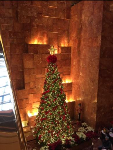 Christmas tree trump tower
